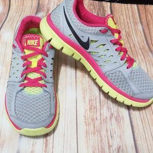Women's Nike flex